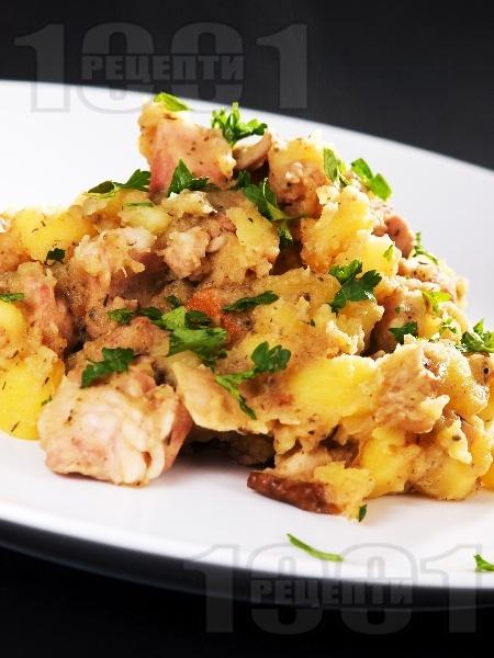 Вкусно задушено свинско месо с картофи и гъби манатарки в тенджера - снимка на рецептата